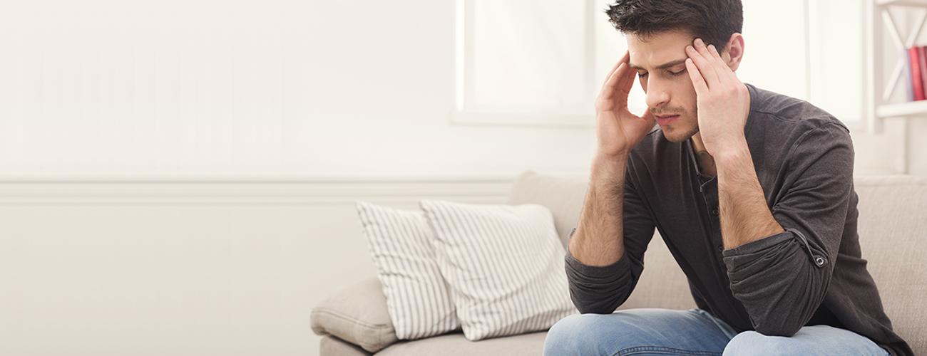 Quem já não sentiu dores de cabeça em algum momento da vida? De acordo com a Organização Mundial de Saúde (OMS), cerca de 90% das pessoas sofrem ou já sofreram com dor de cabeça. Uma delas é a cefaleia cervicogênica, decorrente de alguma disfunção cervical. Ela pode ser tratada pela fisioterapia, por meio de técnicas combinadas ou não. Basta que um fisioterapeuta avalie o paciente e indique o melhor tratamento.