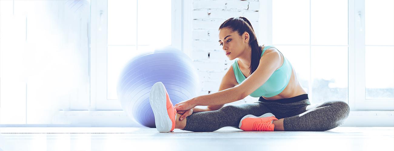 Você sabia que o exercício de alongamento deve durar entre 20 e 30 segundos cada e que ele pode ser feito antes da atividade física ou depois de um duro dia de trabalho?